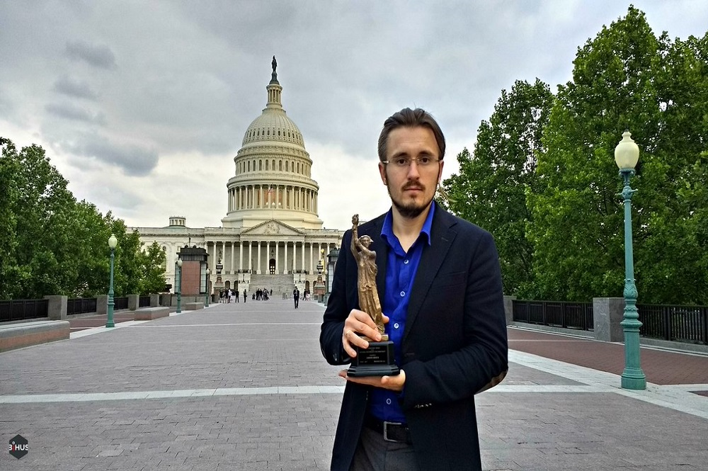 VIDEO   DEMOCRACY AWARD 2017 FOR THE FIGHT AGAINST CORRUPTION IN UKRAINE