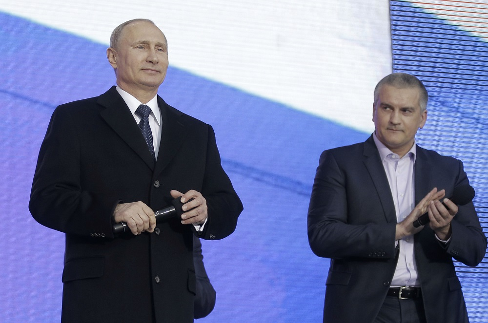 ARTICLE   US and EU Need to Take on Crimea Sanction Sneaks